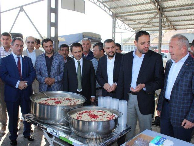 Nevşehir Ticaret Borsası Tarafından  Geleneksel Hale Getirilen Muharrem Ayı Geleneksel Aşure İkramı Zahire Pazarında Gerçekleşti.
