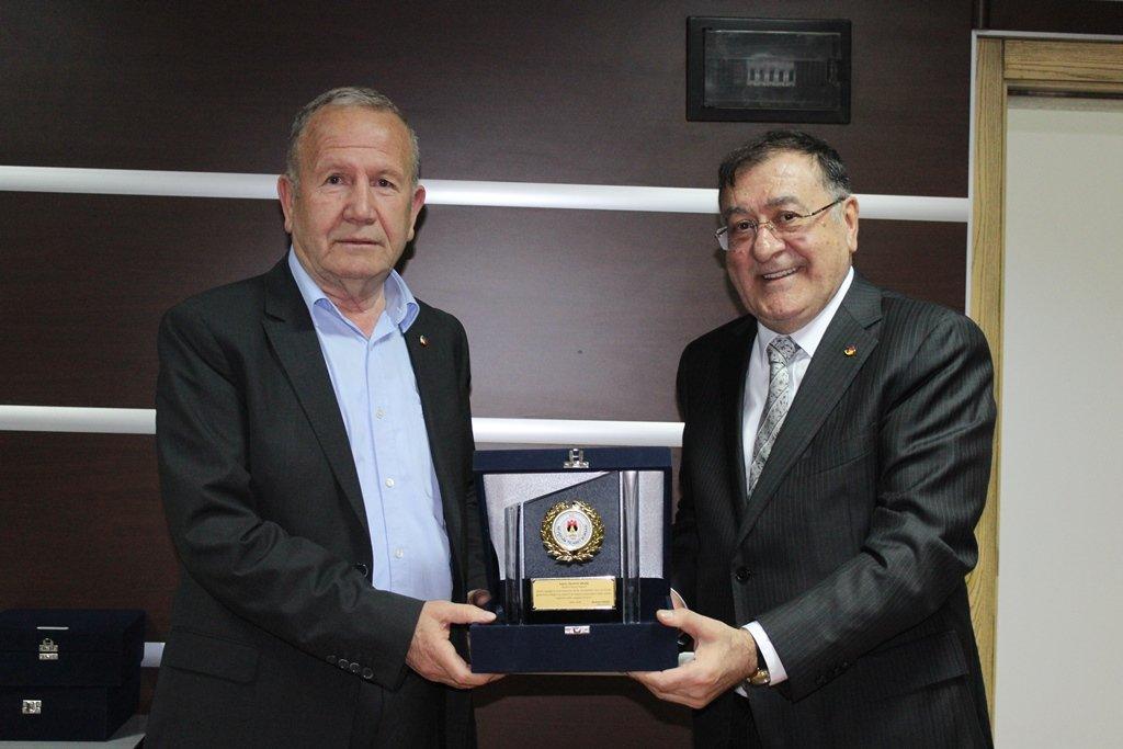 Salaş, yeniden Gümrük AŞ. Başkanı seçilen Parmaksız'ı tebrik etti